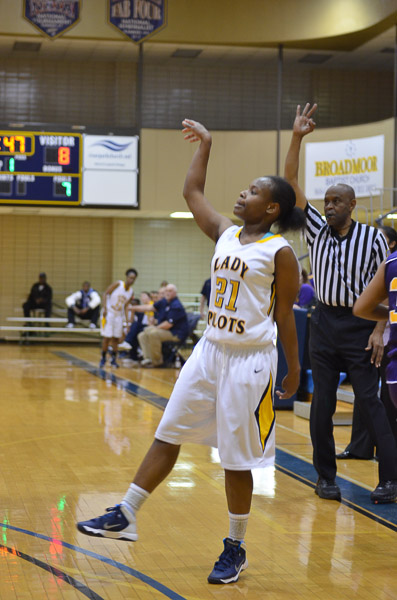 6th  LSUS Lady Pilots vs. Paul Quinn College Photo
