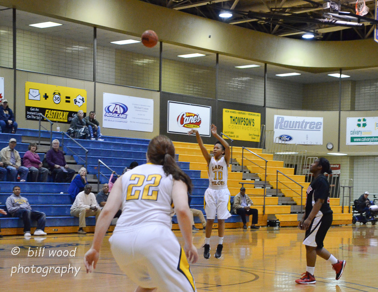 10th LSUS Lady Pilots vs Bacone Photo