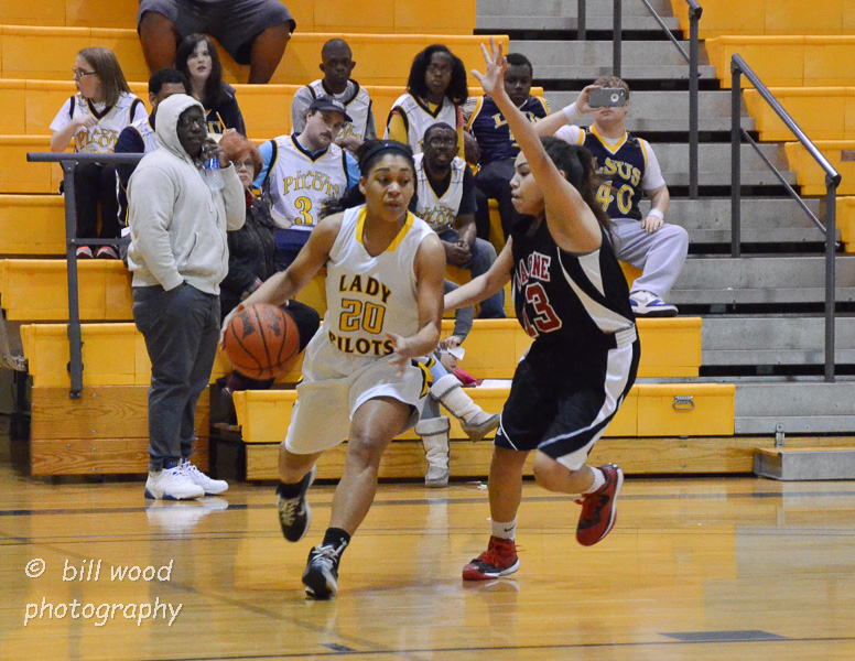 14th LSUS Lady Pilots vs Bacone Photo