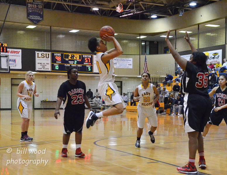 36th LSUS Lady Pilots vs Bacone Photo