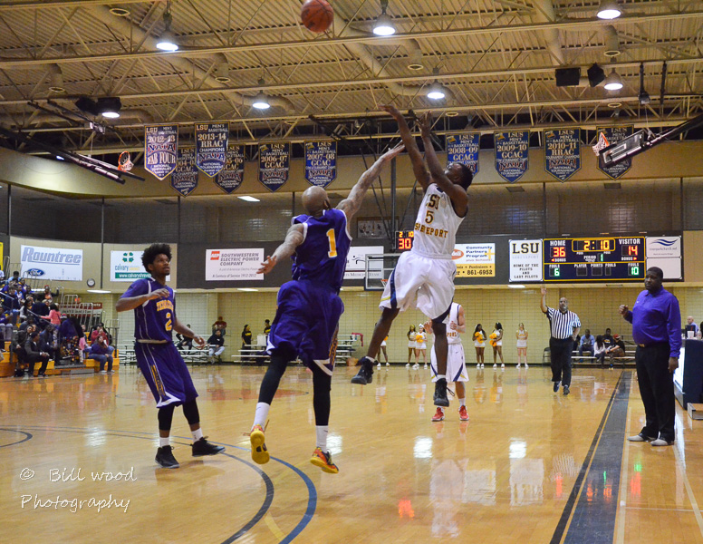 5th LSUS Pilots vs Texas College Photo