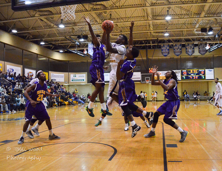 16th LSUS Pilots vs Texas College Photo