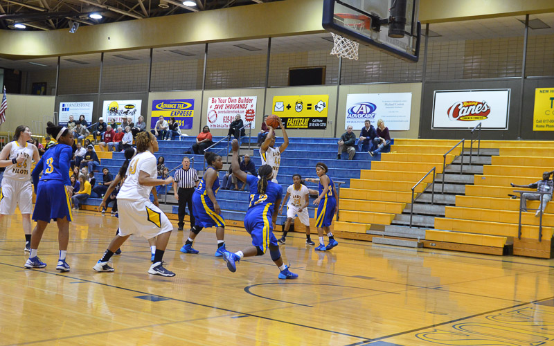 4th LSUS Lady Pilots vs. Jarvis Christain Photo