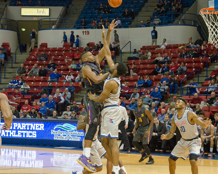 3rd LSUS Men's Basketball vs LA Tech Photo