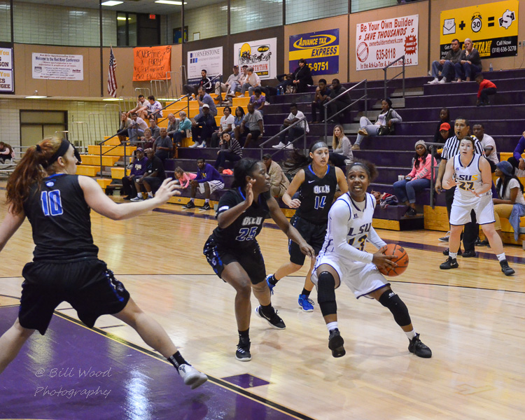 2nd LSUS Women's Basketball vs OLLU Photo