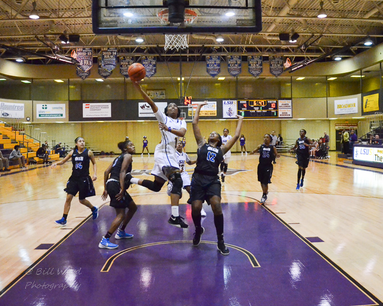 3rd LSUS Women's Basketball vs OLLU Photo