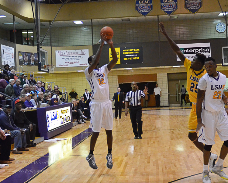 2nd LSUS Men's Basketball vs LSUA Generals Photo