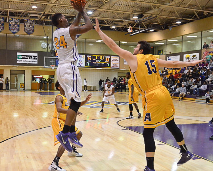 10th LSUS Men's Basketball vs LSUA Generals Photo