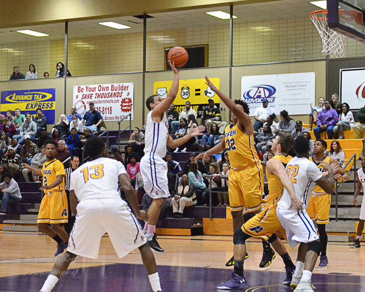22nd LSUS Men's Basketball vs LSUA Generals Photo