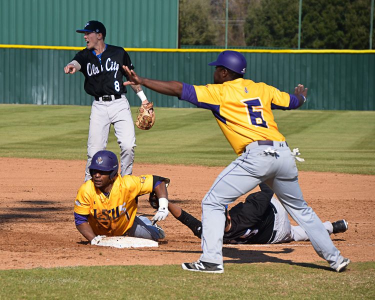 16th LSUS Baseball vs Oklahoma City U.  Photo