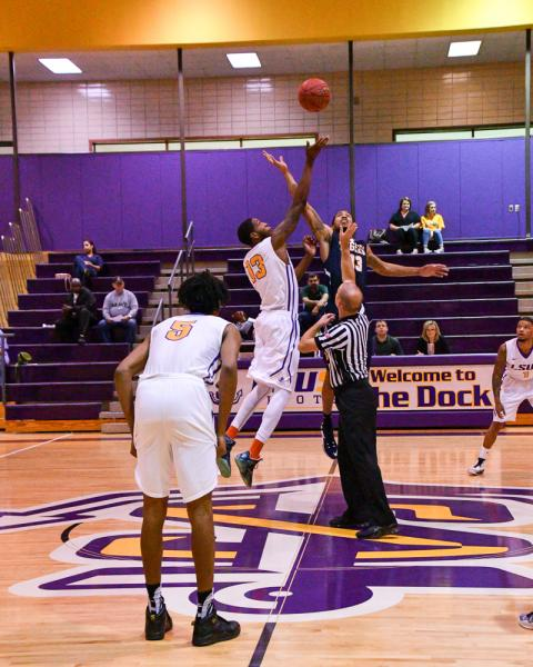3rd LSUS Men's Basketball vs St. ETBU Photo