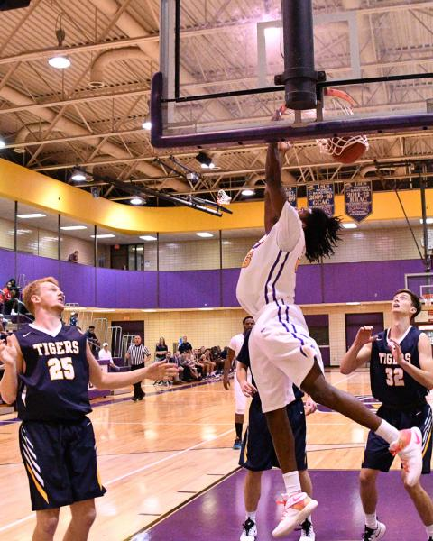 25th LSUS Men's Basketball vs St. ETBU Photo
