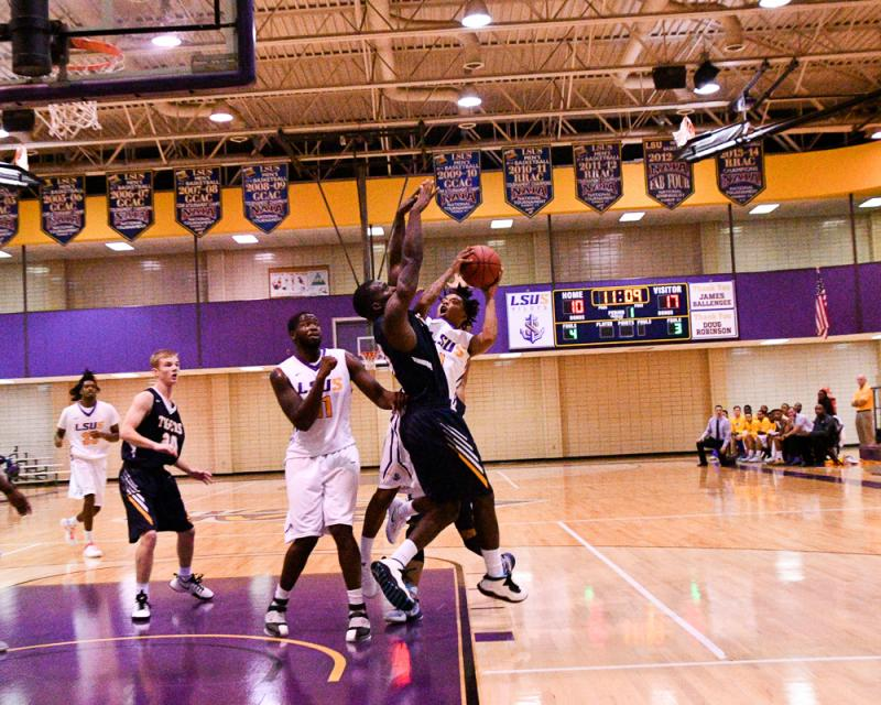33rd LSUS Men's Basketball vs St. ETBU Photo