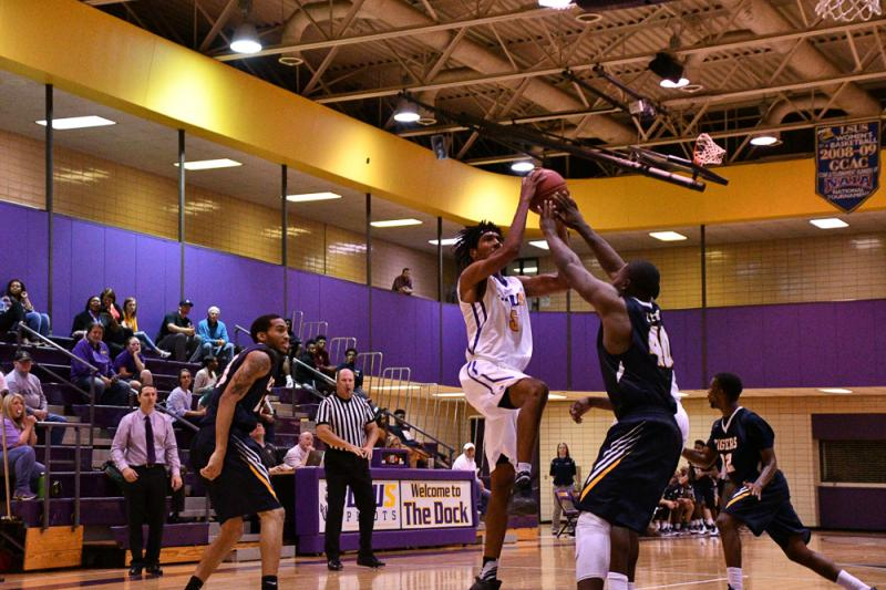 40th LSUS Men's Basketball vs St. ETBU Photo