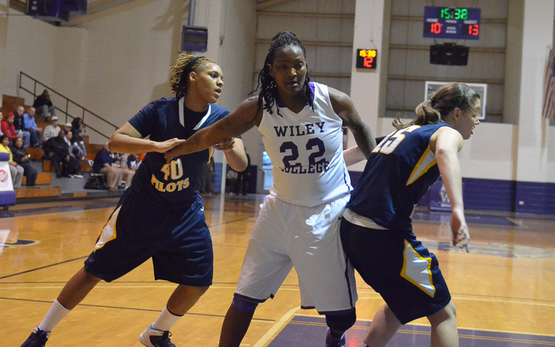 13th LSUS Lady Pilots vs. Wiley College Photo