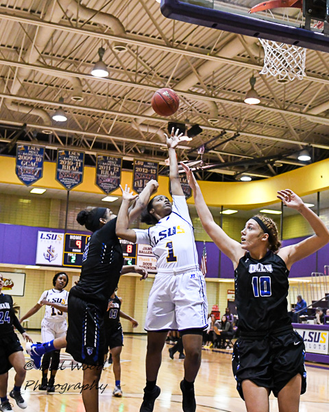 11th LSUS Women's Basketball vs Our Lady of the Lake U. Photo