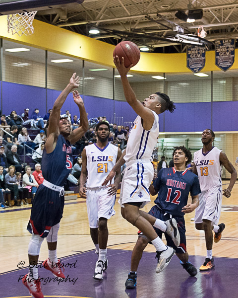 14th LSUS Men's Basketball vs University of the Southwest Photo