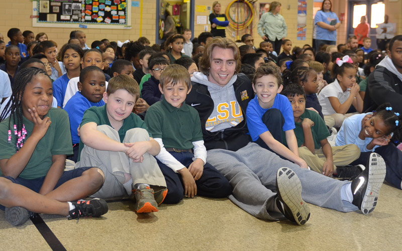 10th Meadowview Elementary School Visit Photo