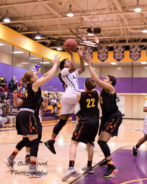 4th LSUS Women's Basketball vs UST Photo