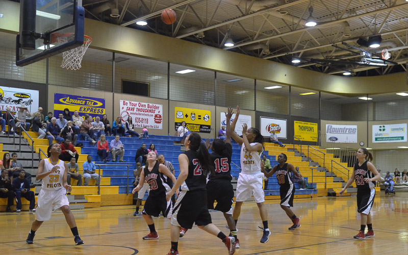10th LSUS Lady Pilots vs. Bacone Photo