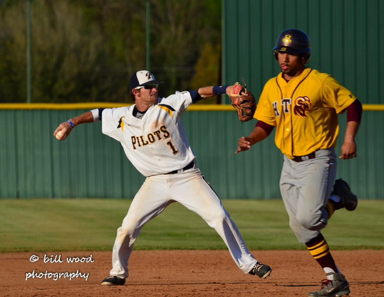 33rd LSUS Pilots vs Hutson Tillotson U. - Friday Photo