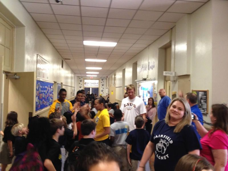 10th LSUS ATHLETES VISITS FAIRFIELD ELEMENTARY Photo