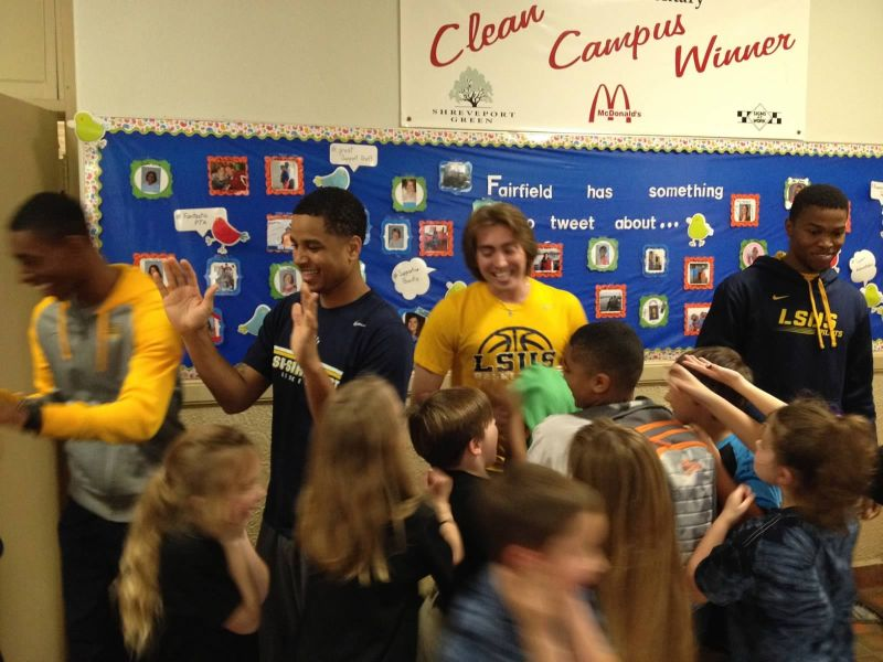16th LSUS ATHLETES VISITS FAIRFIELD ELEMENTARY Photo