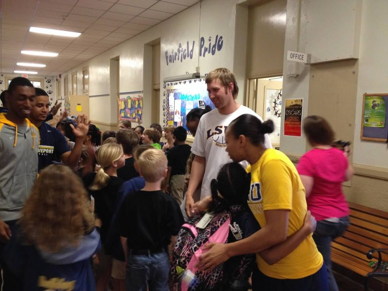 25th LSUS ATHLETES VISITS FAIRFIELD ELEMENTARY Photo