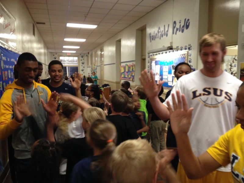 28th LSUS ATHLETES VISITS FAIRFIELD ELEMENTARY Photo