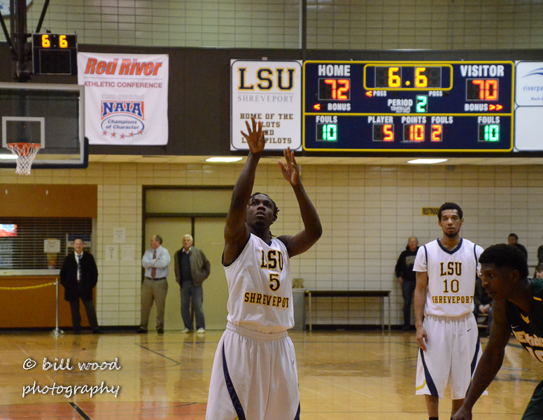 13th LSUS Pilots vs Belhaven Photo
