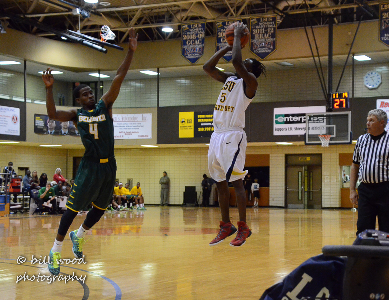 27th LSUS Pilots vs Belhaven Photo