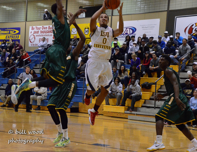 31st LSUS Pilots vs Belhaven Photo