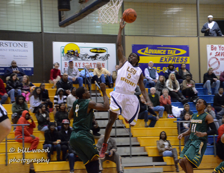 42nd LSUS Pilots vs Belhaven Photo