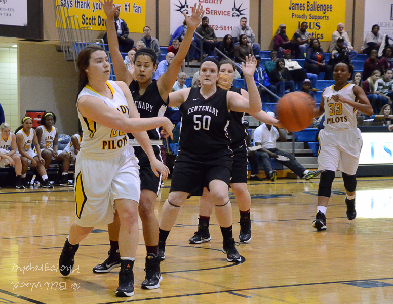 26th LSUS Lady Pilots vs. Centenary College Photo