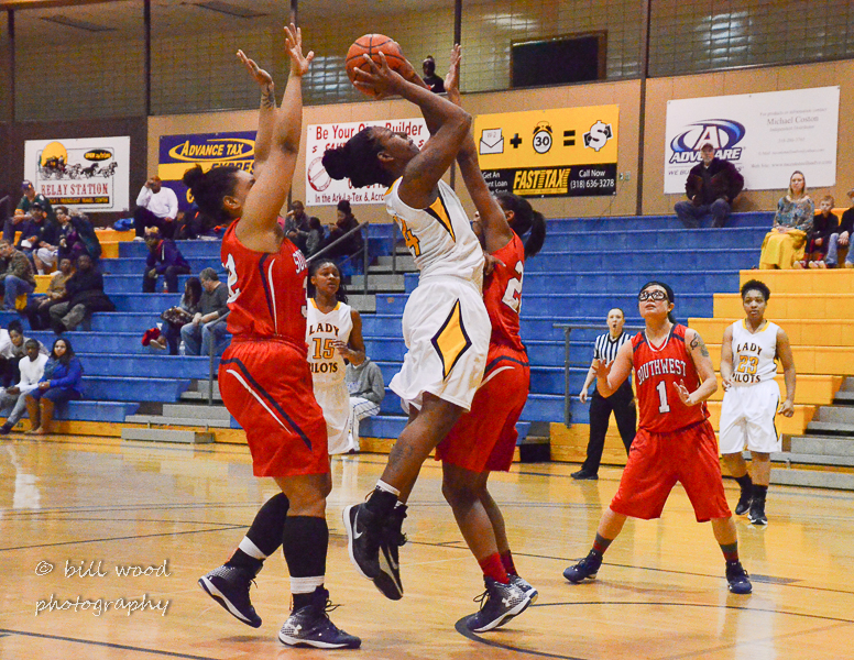 4th LSUS Lady Pilots vs U of the SW Photo
