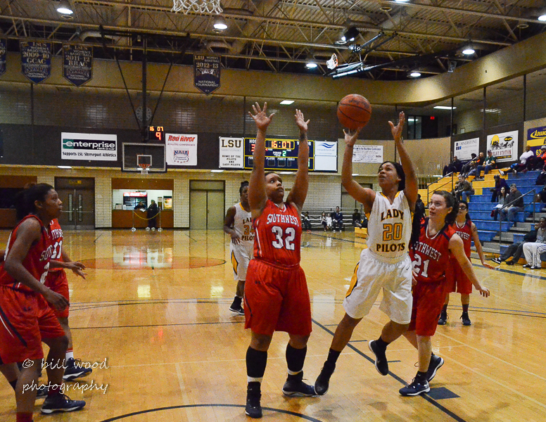 17th LSUS Lady Pilots vs U of the SW Photo