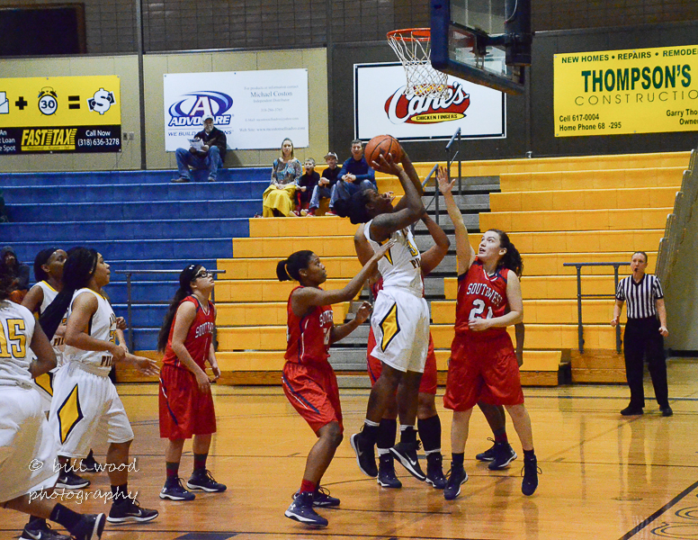 19th LSUS Lady Pilots vs U of the SW Photo