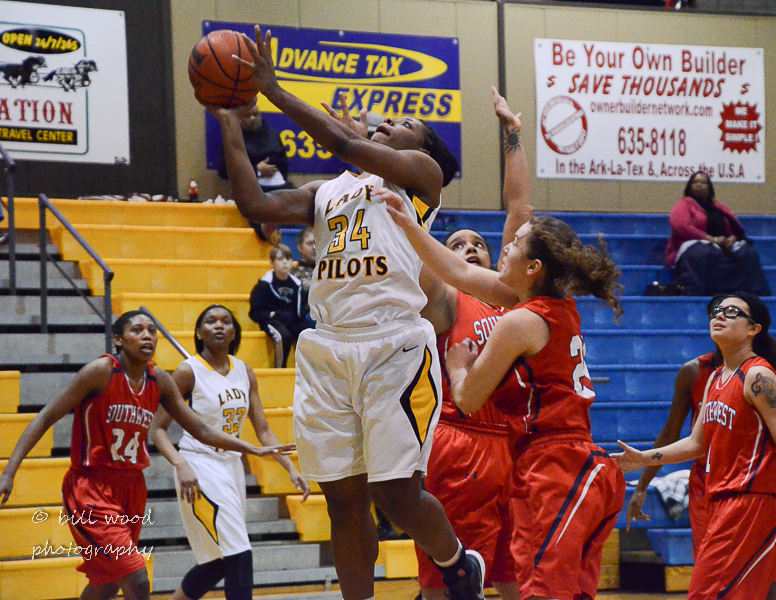 22nd LSUS Lady Pilots vs U of the SW Photo