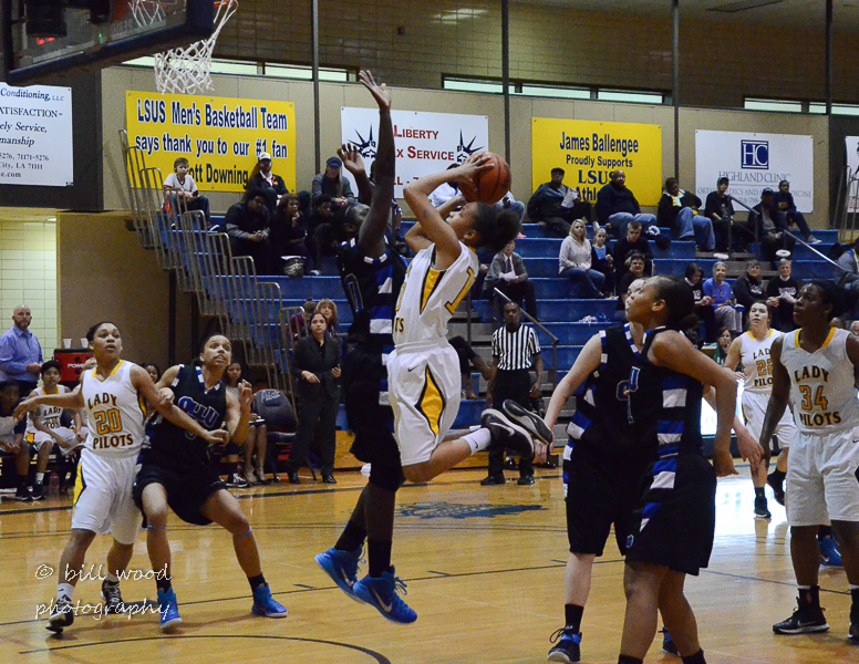 16th LSUS Lady Pilots vs Our Lady of the Lake U. Photo