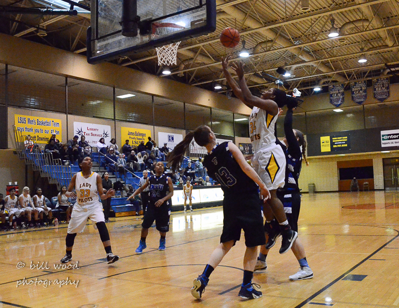 51st LSUS Lady Pilots vs Our Lady of the Lake U. Photo