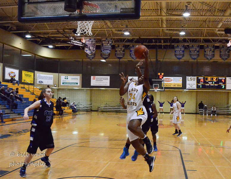 60th LSUS Lady Pilots vs Our Lady of the Lake U. Photo