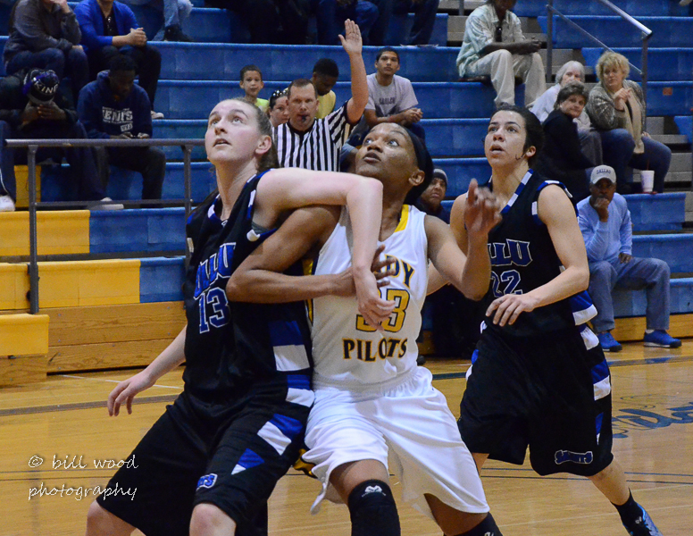 70th LSUS Lady Pilots vs Our Lady of the Lake U. Photo