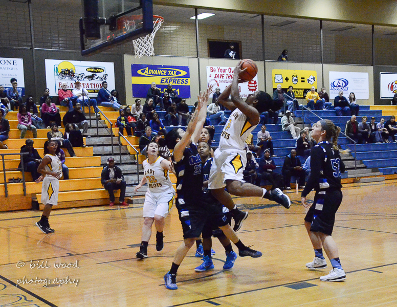 71st LSUS Lady Pilots vs Our Lady of the Lake U. Photo